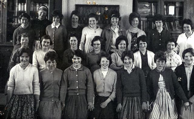 Mooncoin Secretarial Certificate Class 1963-1964